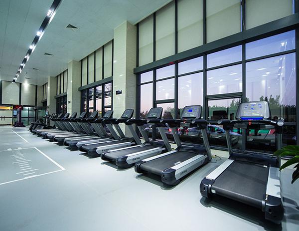 日照部队健身房