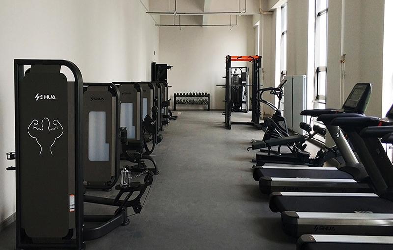 学校健身房